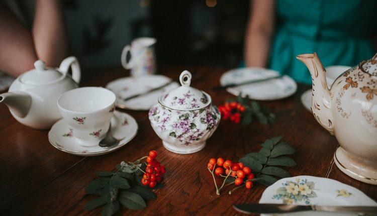 Kubki porcelanowe – co wybrać na świąteczny prezent?